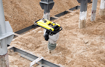 Tygon flexible, fuel tubing solutions | Construction Equipment | Saint-Gobain Process Systems